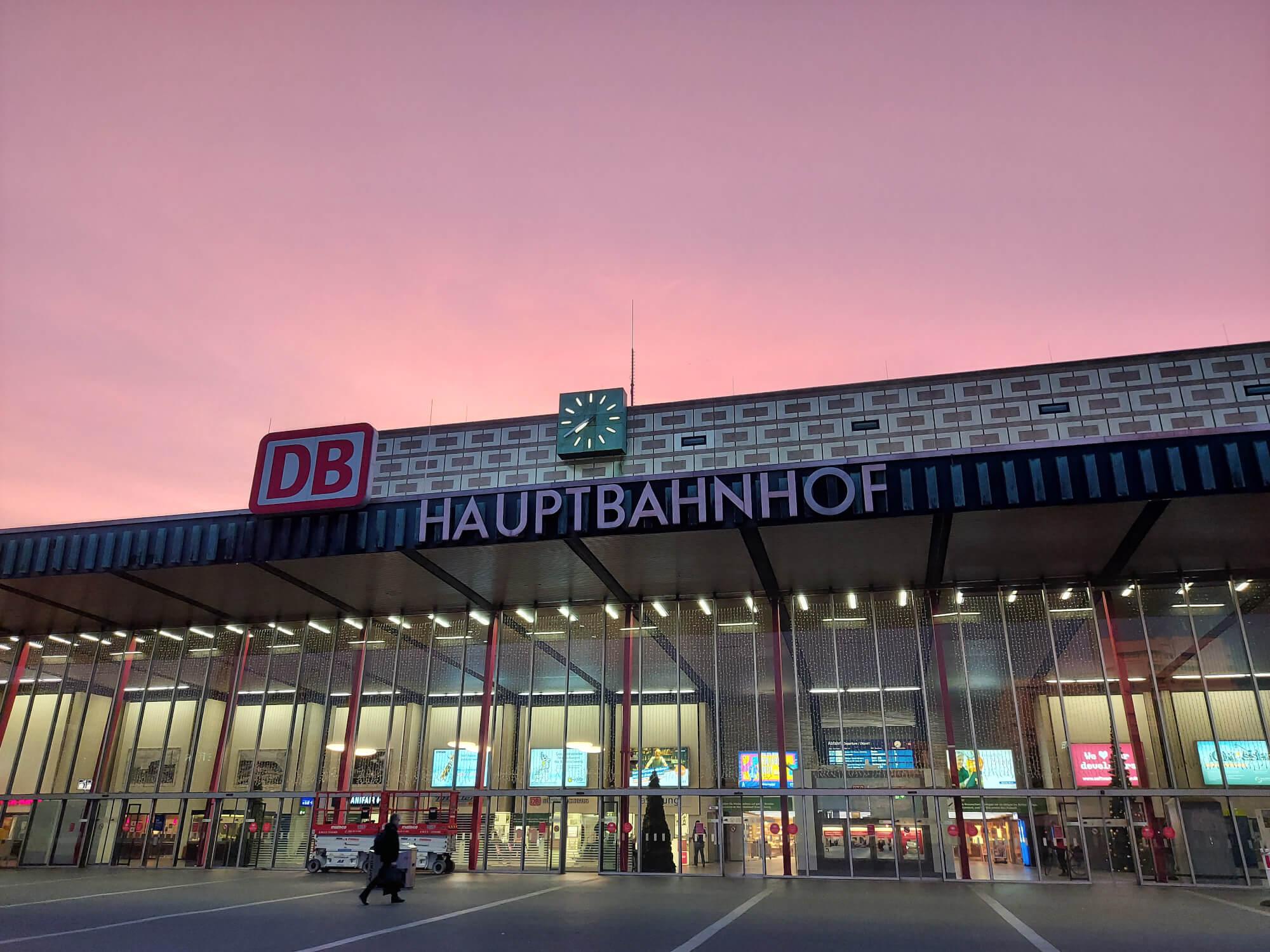 Hauptbahnhof / main train station